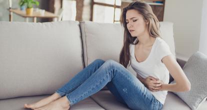 PMSに苦しむ女性