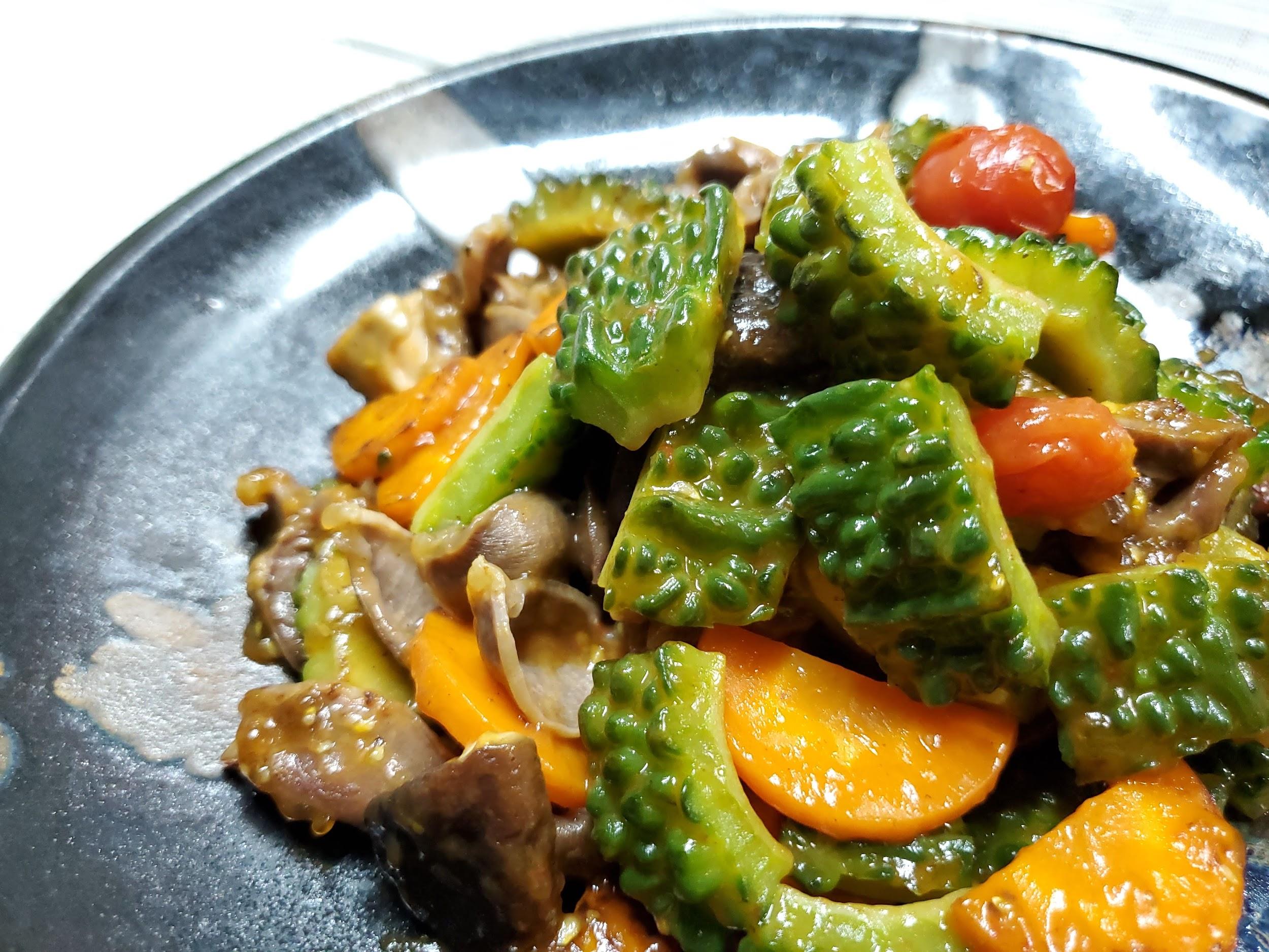 【夏の食養生】熱を冷ます食材で!ゴーヤーと砂肝の黒酢炒め