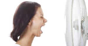 女性 扇風機